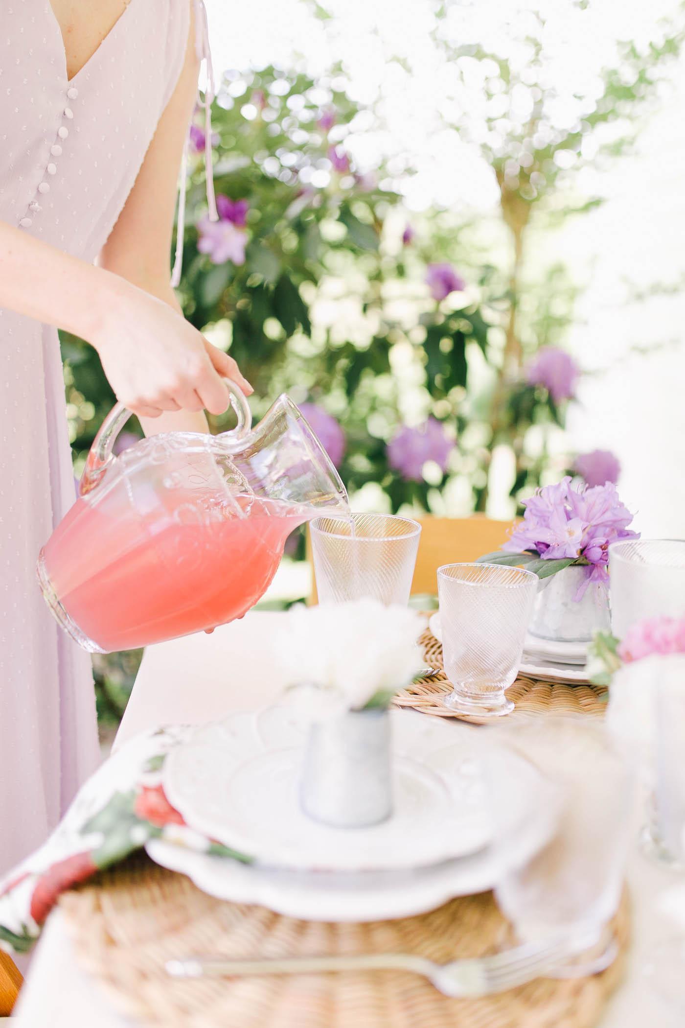 feminine-garden-themed-mother's-day-ladies-lucheon