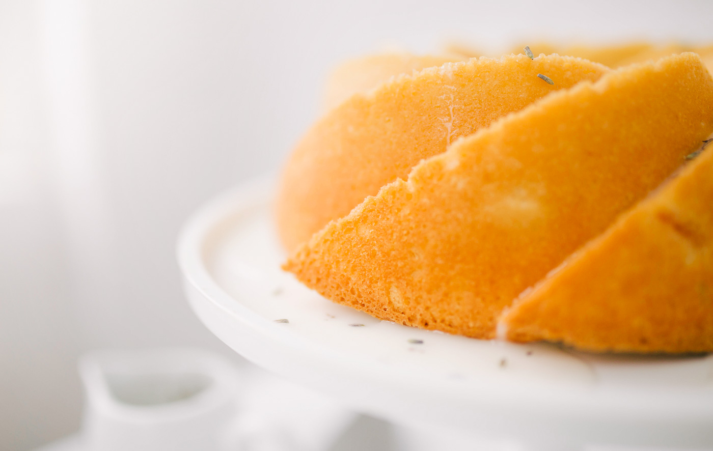 A fresh and light peach bundt cake recipe from Lauren Cermak of the Southern Lifestyle Blog, Going For Grace. Savor every moment of peach season with this easy bundt cake recipe!