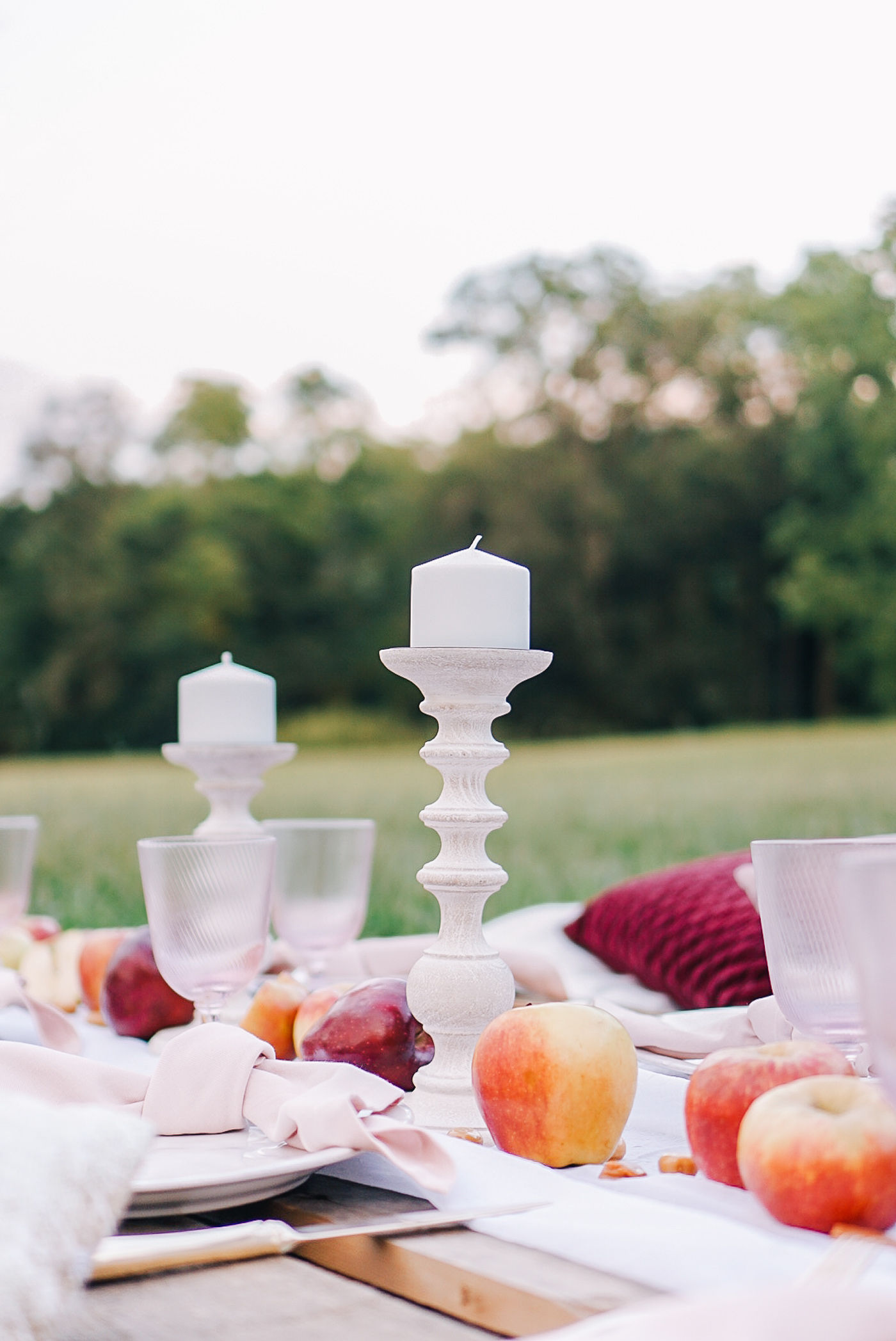 A casual outdoor pallet party with a caramel apple theme by Lauren Cermak of the Southern lifestyle blog, Going For Grace.