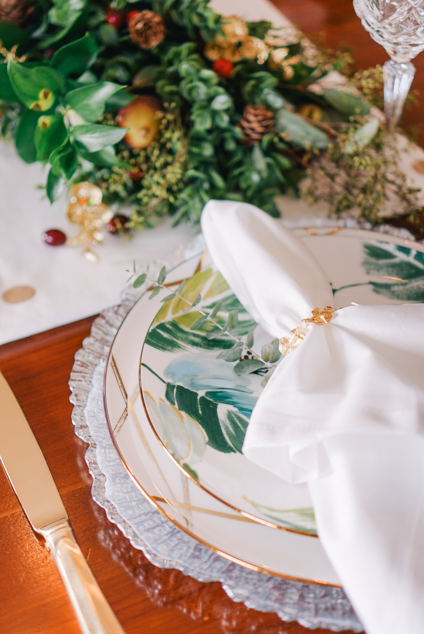 A Thanksgiving tablescape full of Fall garland and Lenox dishes by Lauren Cermak of the Southern lifestyle blog, Going For Grace.