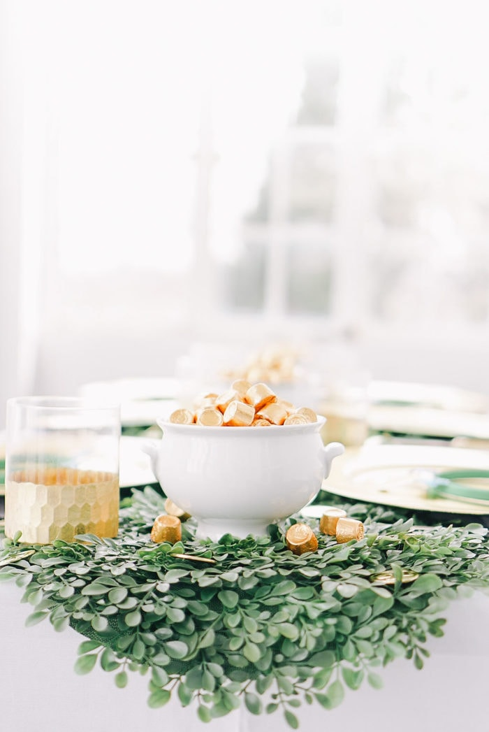 easy-st-patricks-day-table-setting