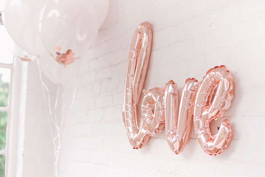 bridal-shower-party-ideas-coterie-party-rose-gold-balloons
