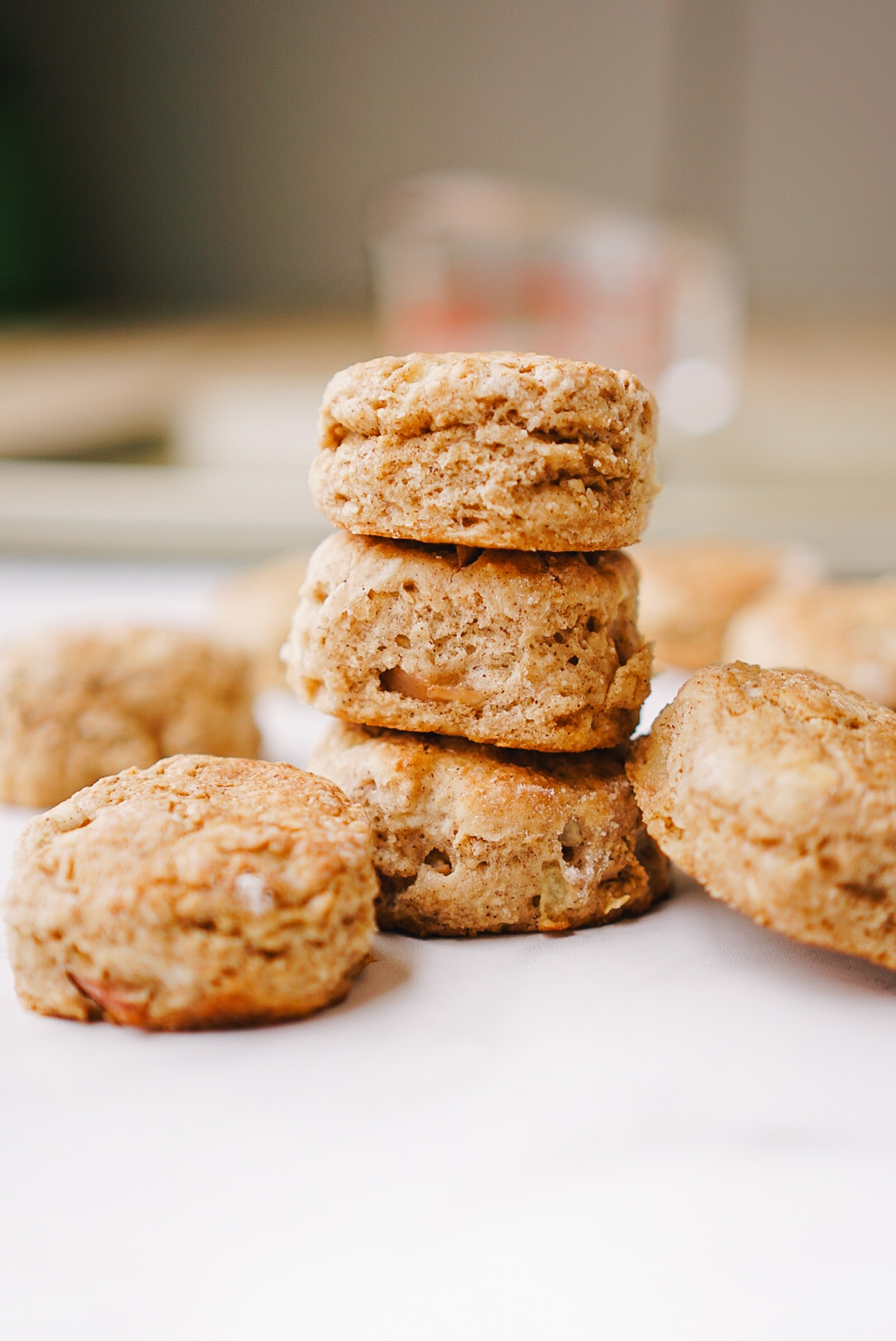 cinnamon-apple-biscuits