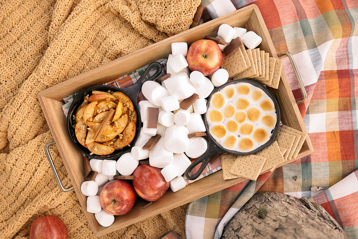 Campfire-Apple-S'mores-Tray