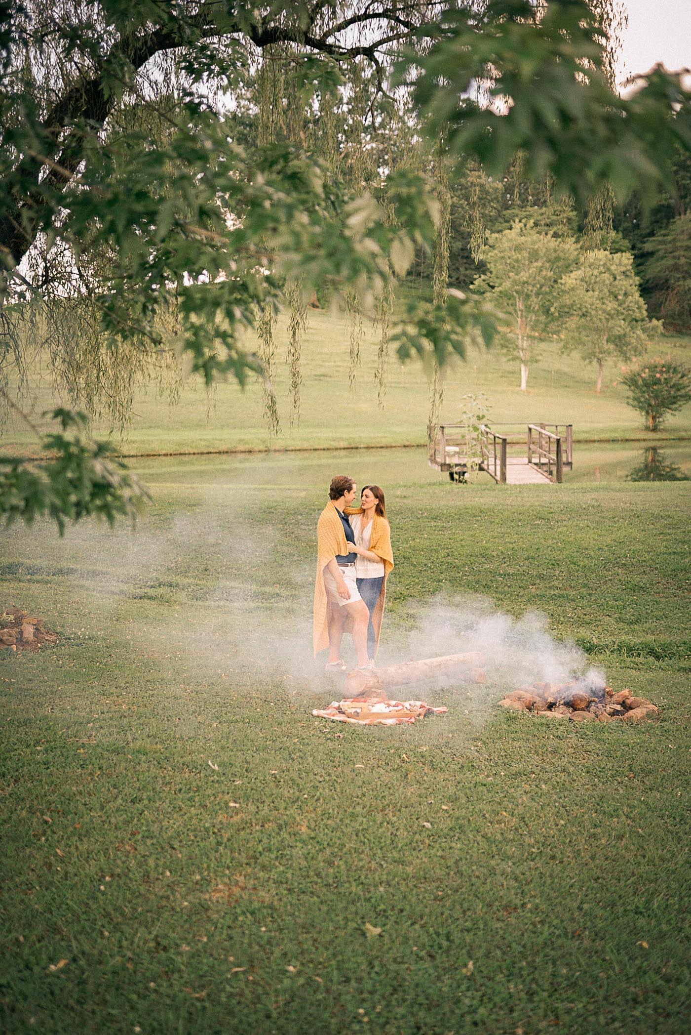 campfire-couples-photos