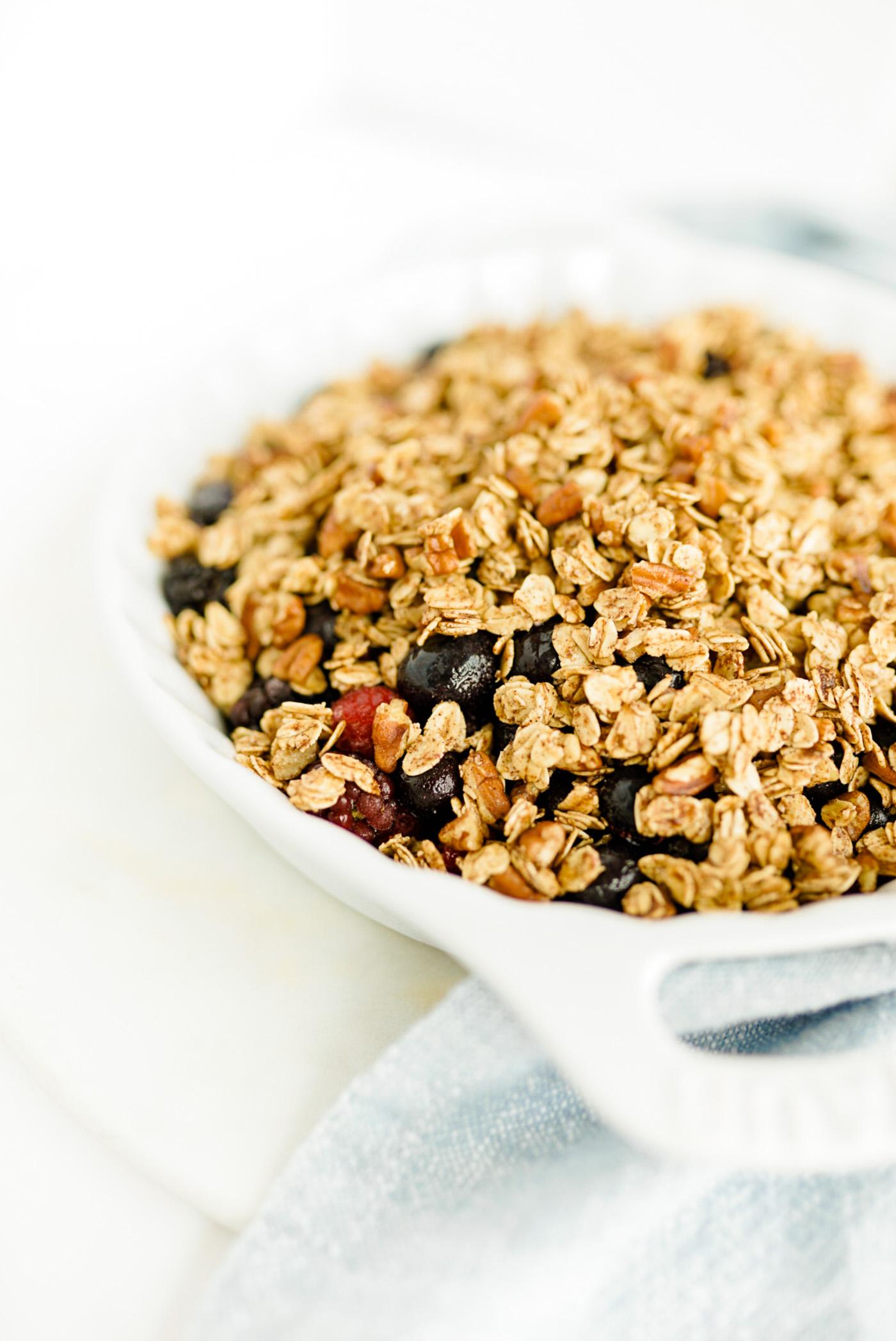 healthy-berry-crisp