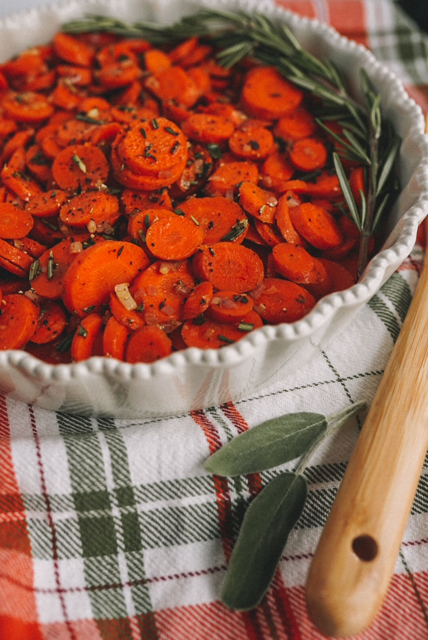 savory-herb-carrots
